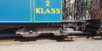 Coach bogie from KLJ - Kosta Lessebo Railway in Sweden. The coaches these are made for are full prototype length 10 meter, not as the MJ wagons which were 7 meters long. This means a model with about 22 cm length in 1/45 scale. Available in both 1/45 and
