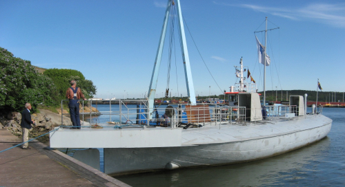 01  -- sölve today, once rebuilt as an oil barge, so not much left on deck