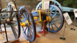 Finished the limber this evening, by painting both cannon and limber in the true blue/yellow painting it should have. Above first picture shows another cannon from the same period, in this case a howitzer, taken this summer 2019 when my wife and I visited