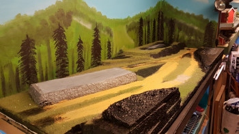 Time for a real diorama for the cannons and wagons!  While the printer been busy printing one more bridge and sleepers, lots and lots of sleepers.. I started with the 1700s diorama this weekend. As usual I ran out of green grass, so could only lay first..